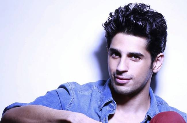 Sidharth Malhotra's reel grandfather makes his family proud