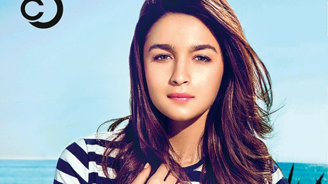 Alia Bhatt goes on a date night. Guess with whom?