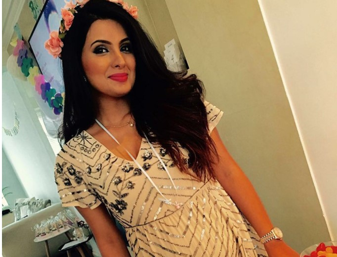 IN PICTURES: Geeta Basra's white themed Baby Shower!