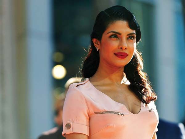 Priyanka Chopra charged a whopping Rs 2 crore for her IIFA performance!