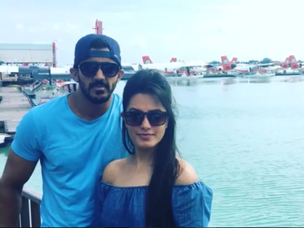 Anita Hassanandani's vacation photos with hubby Rohit Reddy are super hot!