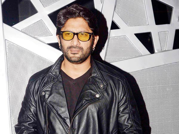 Arshad Warsi shows off his muscles on Twitter
