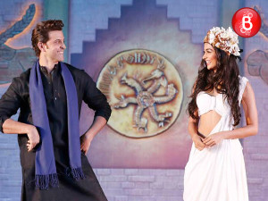 Hrithik Roshan and Pooja Hegde at 'Mohenjo Daro' promotional event