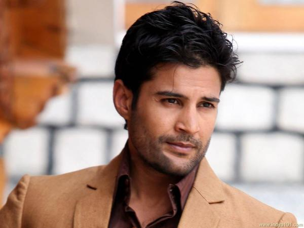 Rajeev Khandelwal sings for his forthcoming film 'Fever'