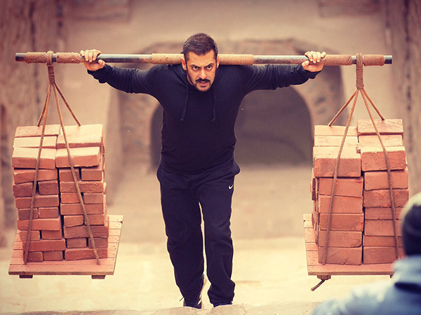 Salman Khan brings festivity to ticket counters with 'Sultan'
