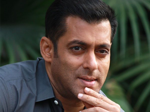 Salman Khan wants Rajkumar Santoshi's film to be massy, suggests changes