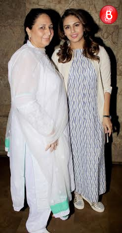 Huma Qureshi with her mother