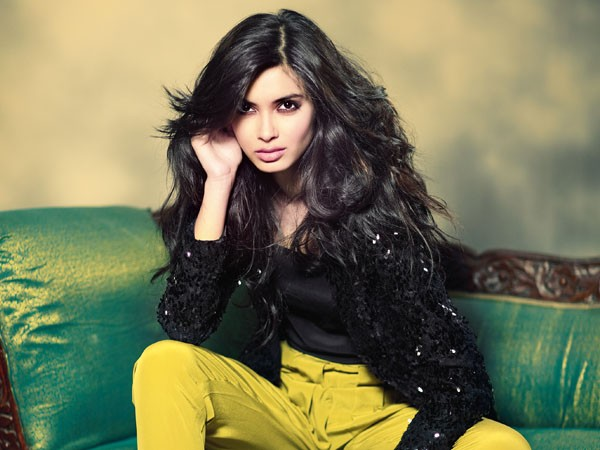 Wow! Diana Penty learns rifle shooting for her 'Happy Bhaag Jayegi'