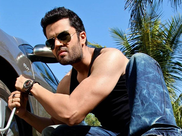 Manish Paul takes training for doing action scenes in 'Baa Baa Black Sheep'