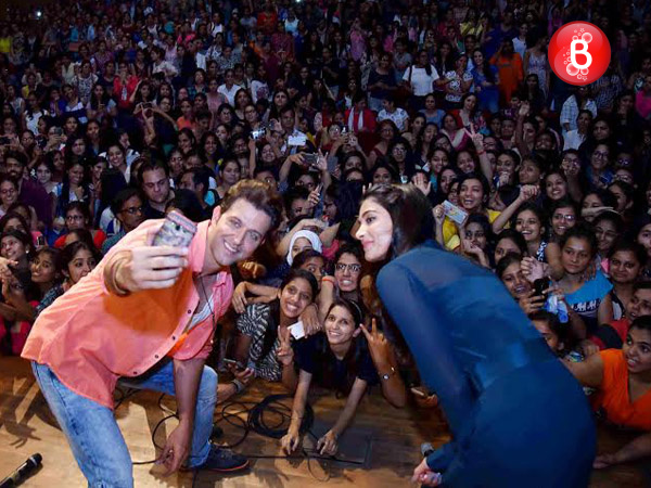Pics: Hrithik Roshan and Pooja Hegde promote 'Mohenjo Daro' at a college in Delhi
