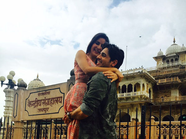 Watch: Sidharth Malhotra and Katrina Kaif's romantic moment in Jaipur