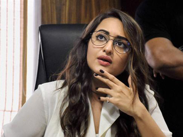 Here's what Sonakshi Sinha has to say about joining politics