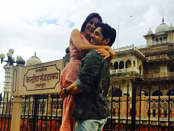 Sidharth Malhotra and Katrina Kaif just can't stop getting close, chemistry rules during promotions