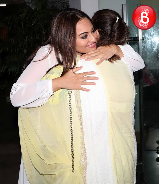 Sonakshi Sinha with mother Poonam Sinha