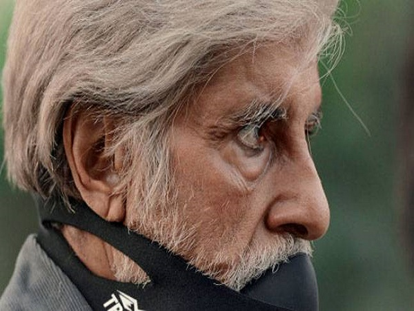 Do you know the story behind Amitabh Bachchan's mask in 'PINK'?