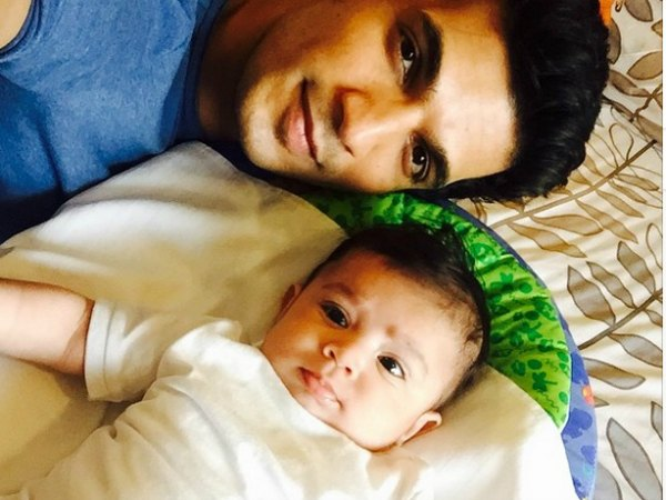 Look what Arjun Bijlani just did for his little son Ayaan!