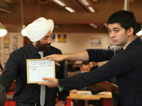 Watch: Sunny Deol in search of Delhi girl for son, Karan Deol's debut