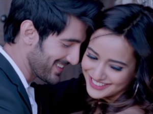 WATCH: Love takes a new leap with the second song 'Ishq Mubarak' from 'Tum Bin 2'