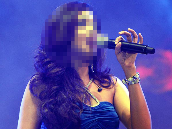 This Bollywood singer still receives heartbreak mails from male fans!