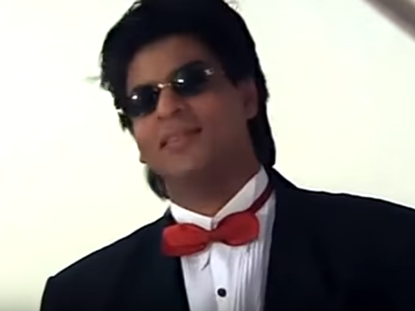 Did you notice Shah Rukh Khan's Mannat and Rajesh Khanna's 'Aashirwaad' in 'Yes Boss'?