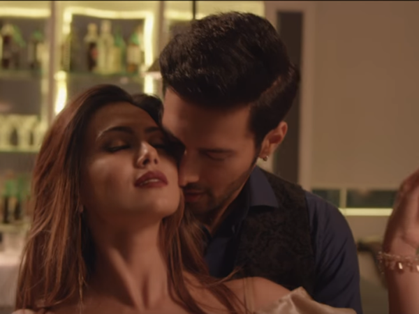 Watch: 'Dil mein chhupa loonga' from 'Wajah Tum Ho' is a sleazy number with lots of intimacy