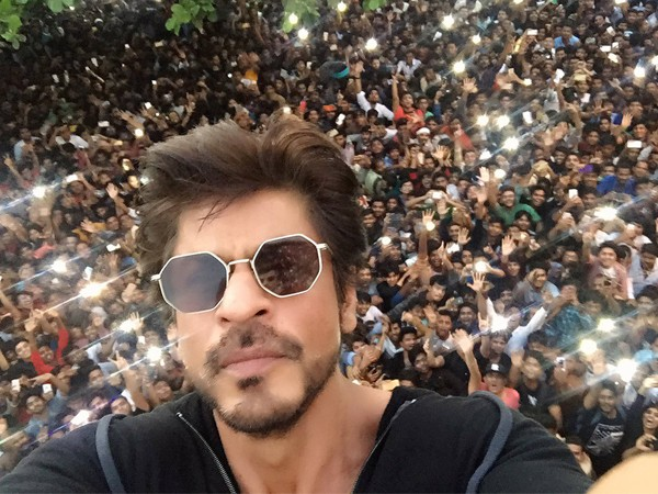 It was Shah Rukh Khan's birthday, but someone else stole the show