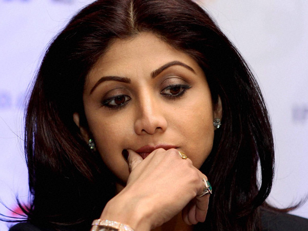 Shilpa Shetty tries to shut Twitter trolls, but messes it up further