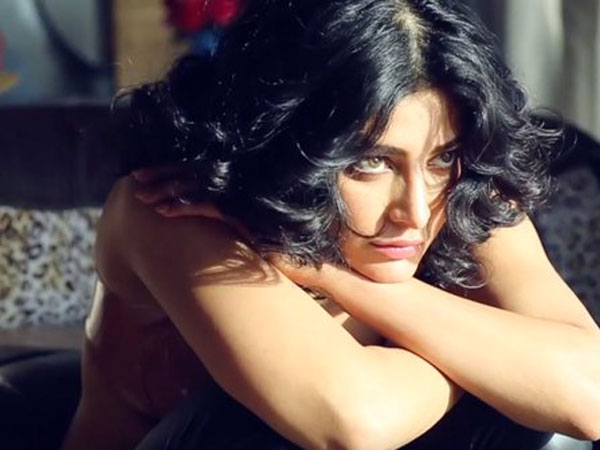 Shruti Haasan moves to police as stalker threatens to kill her