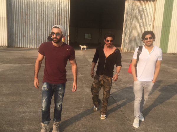 Here are the inside pictures of Shah Rukh Khan's birthday bash at Alibag!