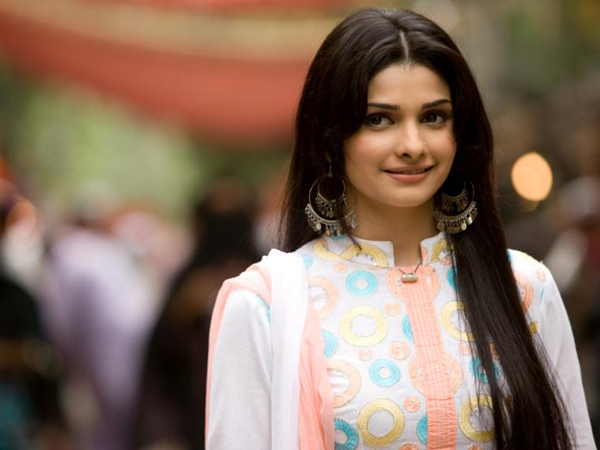 e9a6e745b3 Actress Prachi Desai reveals that it has become very difficult for her to  break the stereotype that has been attached to her after she did 'Rock On.'
