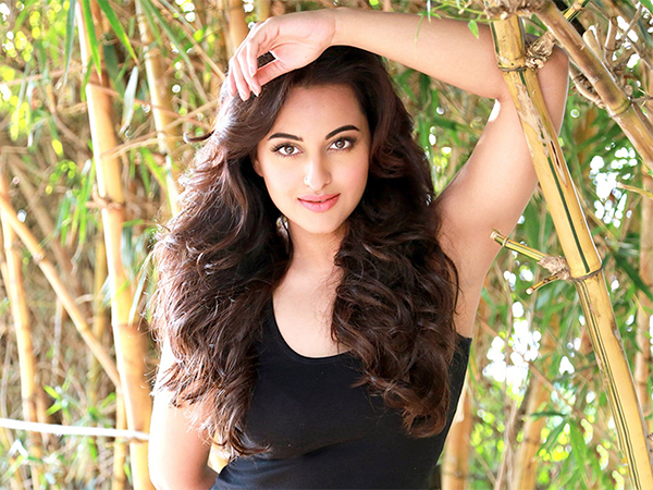 Sonakshi Sinha wants to share screen with THIS actress in an action film