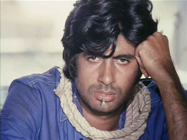 Do you know the story behind Amitabh Bachchan's iconic blue shirt in 'Deewar'?