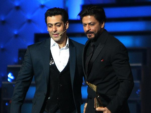 Is this how much Salman Khan and Shah Rukh Khan charged for hosting Star Screen Awards?