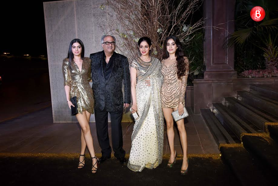 Sridevi, Boney Kapoor with daughters Jhanvi and Khushi