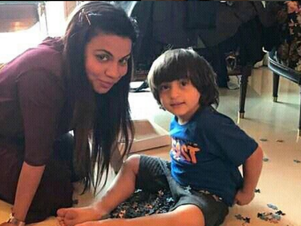 Like daddy, like son! AbRam is a total charmer amidst women and here's proof