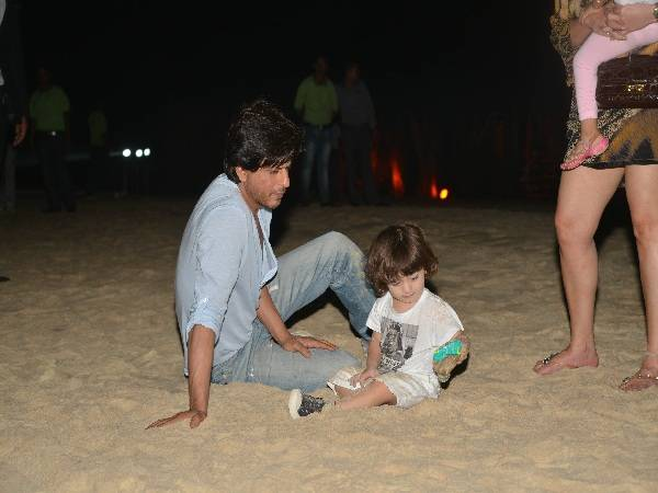 Aww! Little AbRam makes his debut on a Shah Rukh Khan interview, and it's too cute