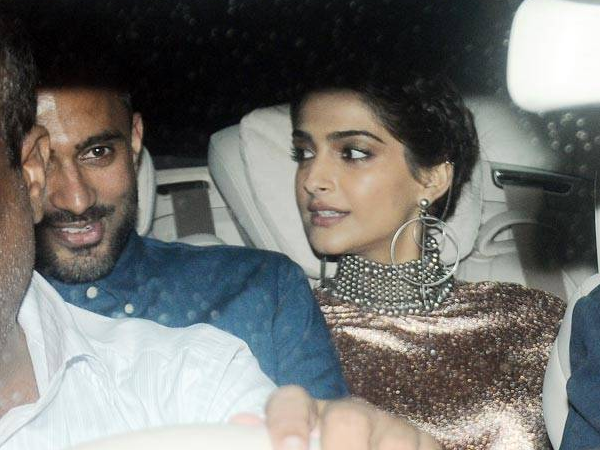 Oh my! Did Sonam Kapoor just make her relationship with Anand Ahuja official?