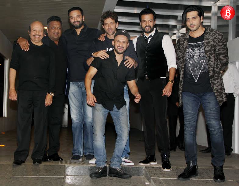 Hrithik Roshan with Zayed Khan, Rajesh Roshan and team 'Kaabil'