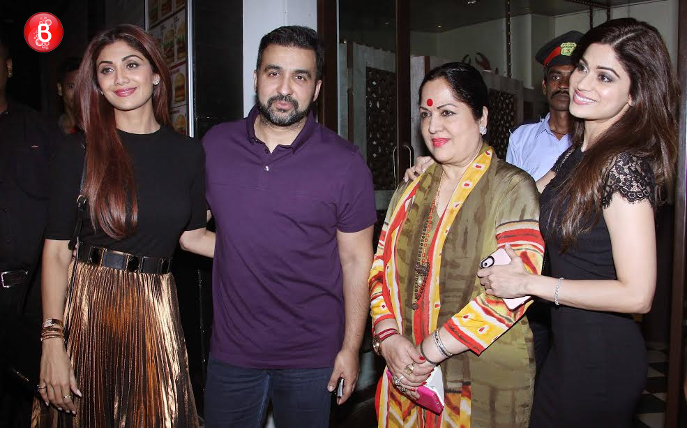 Shilpa Shetty Kundra, Raj Kundra, Sunanda Shetty and Shamita Shetty