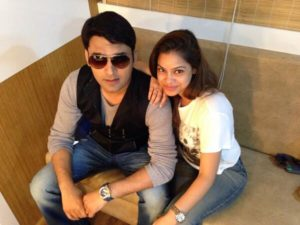 Watch: Kapil Sharma's reel wife Sumona Chakravorty caught smoking on the sets