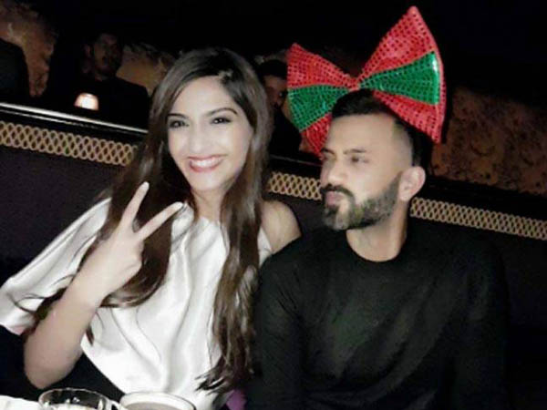 Sonam Kapoor and alleged beau Anand Ahuja pose hand in hand