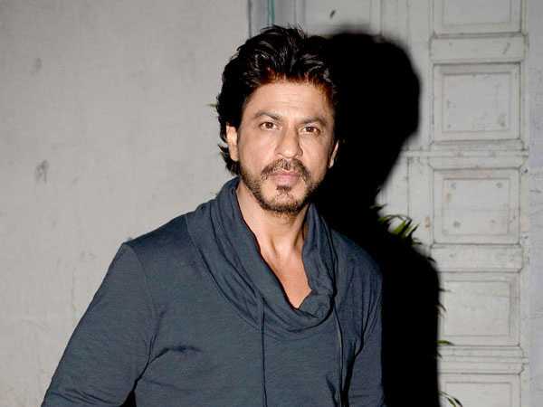 Shah Rukh Khan shares a thoughtful message with AbRam's picture, on Women's Day