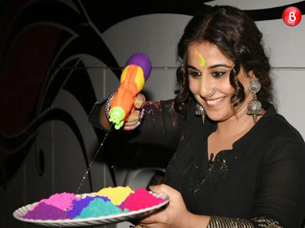 Vidya Balan begins Holi celebrations in advance while promoting 'Begum Jaan'