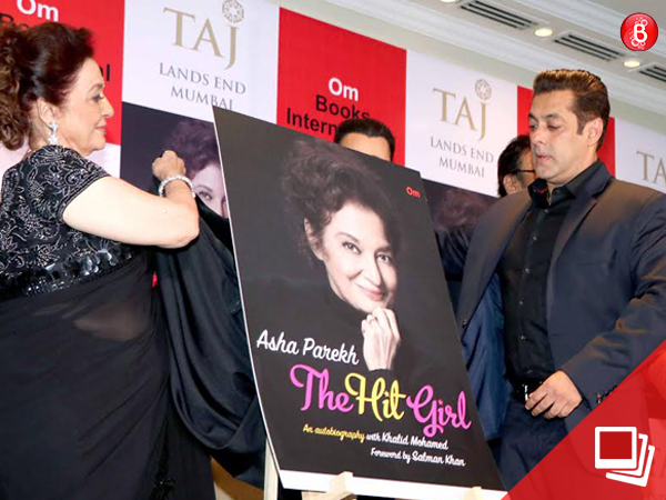 PICS: Salman Khan launches the autobiography of veteran actress Asha Parekh