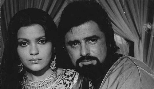 Sanjay Khan abused and bashed Zeenat Aman brutally