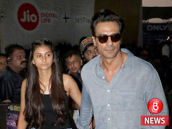 Photographers at Justin Bieber concert irk Arjun Rampal, actor storms out!