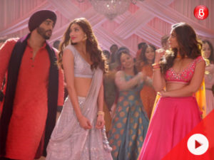 It's time to wear your dancing shoes as 'The Goggle Song' from 'Mubarakan' is out