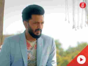 It breaks our heart to see Riteish so sad in 'Aainda' song