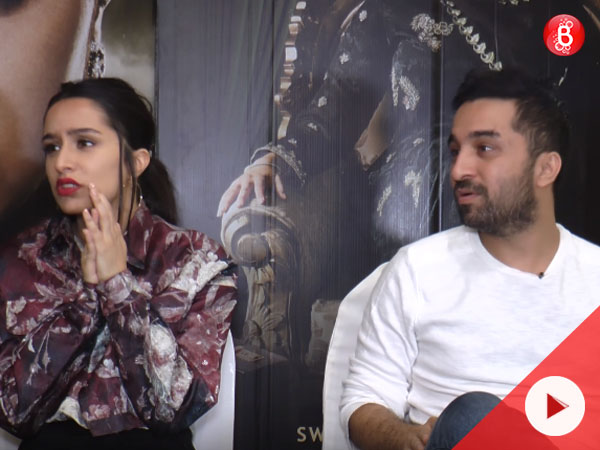 Watch: Who aces the Bollywood test, Shraddha or Siddhanth?