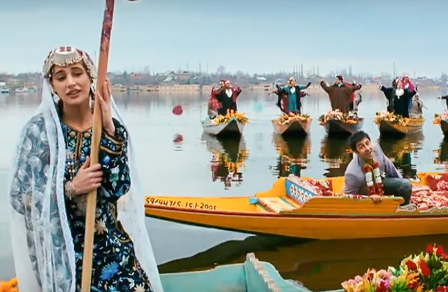 'Yeh Chand Sa Roshan Chehra' at Dal Lake